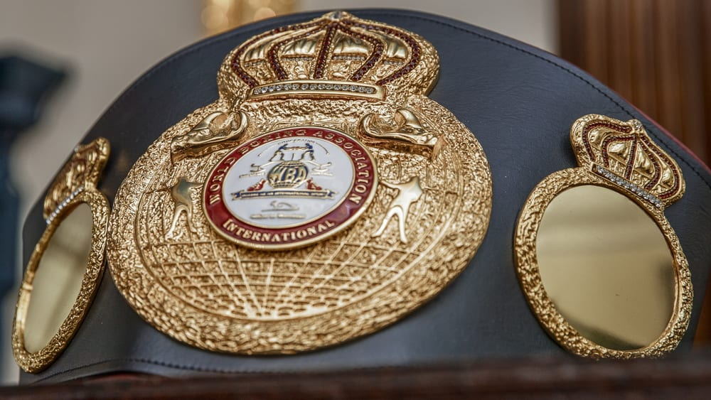 featherweight boxing title